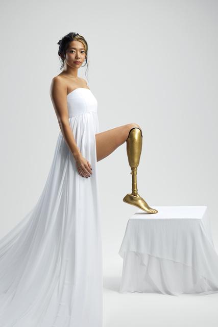 海音が右足を失ったファッションモデルとして再デビューした舞台とは?